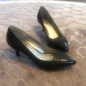 Anne Klein iflex black patent kitten heels